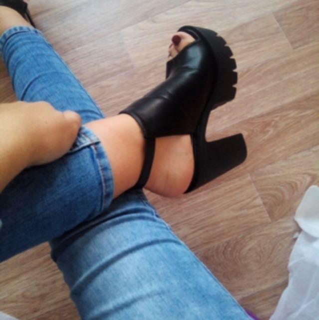Chunky boot 90s heels