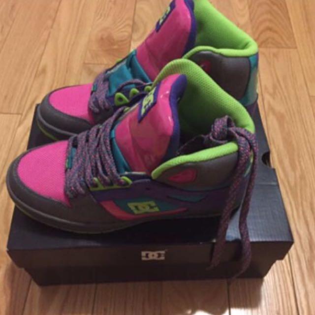 DG runner shoes size 6