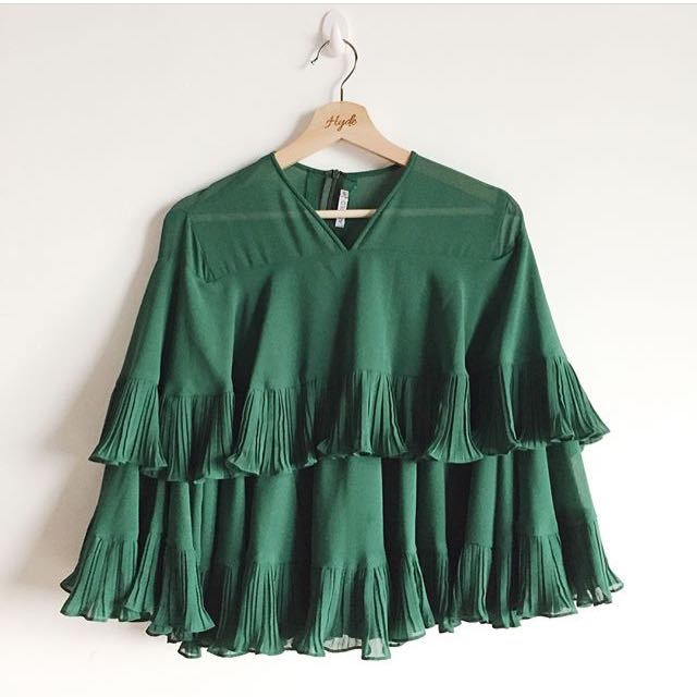 Emerald green flowy top