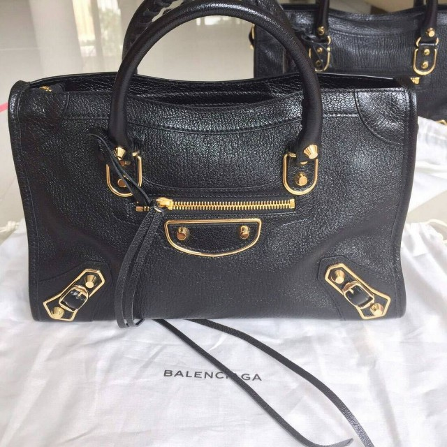 Fast sale - Givenchy Mini Antigona Blue Nuit (Detachable strap)- Balenciaga  mini city black edge ghw  869167b6bc