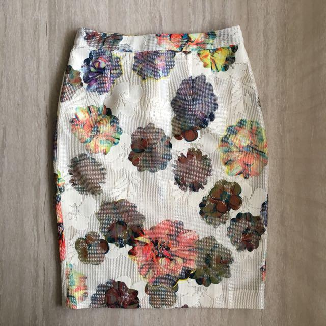Flower skirt et cetera size 6