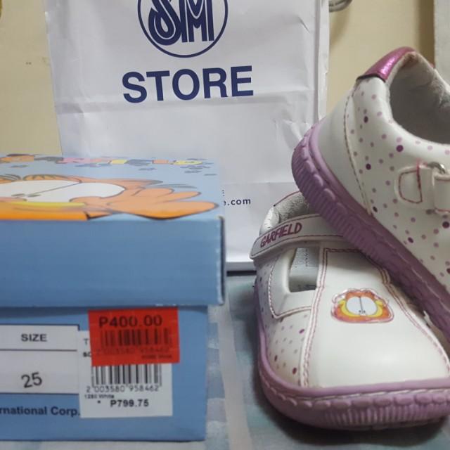 Garfield white shoes