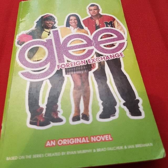 Glee Foreign Exchange Book