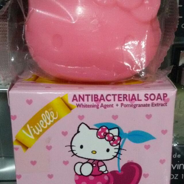 Hello Kitty Pink Whitening Soap