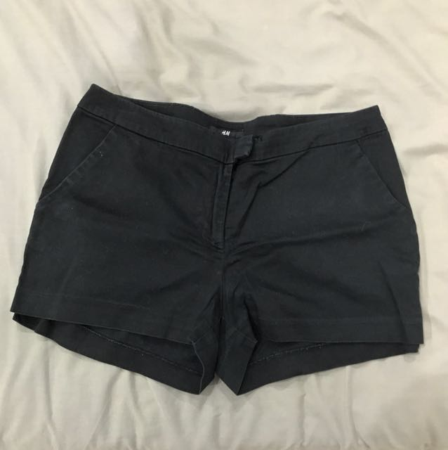 H&M : black shorts