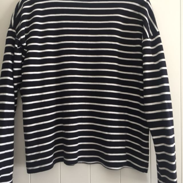 H&M blue and white striped top