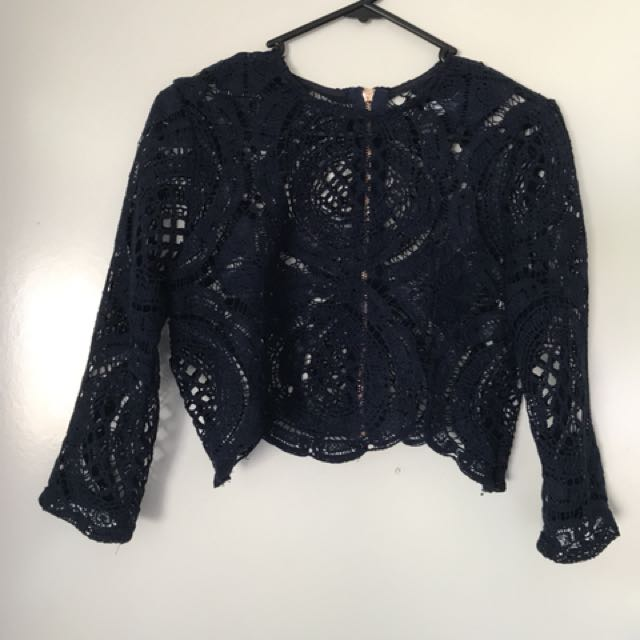Lace long sleeve crop