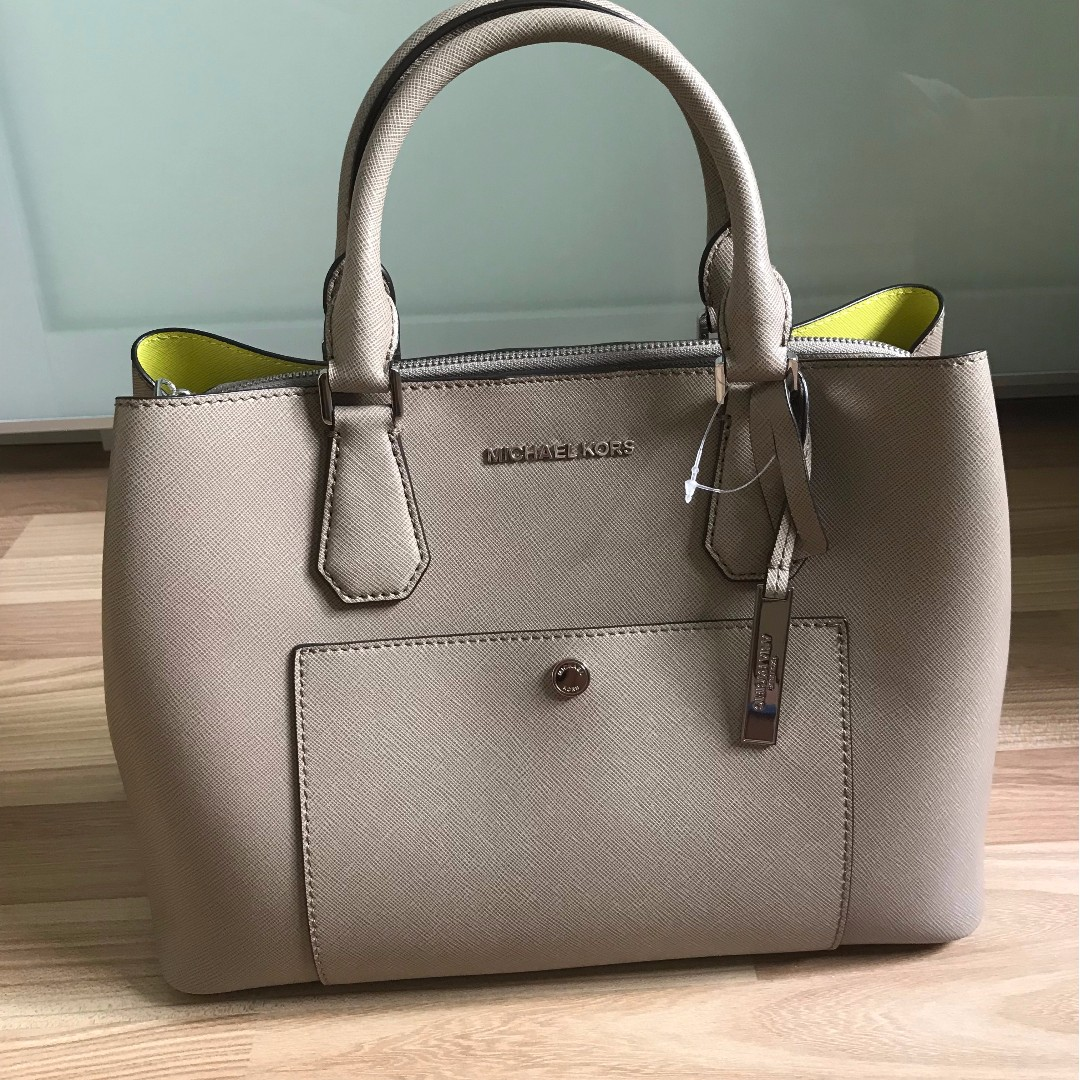 1d78a0f310c889 Limited Edition Michael Kors' Bag Large Tote, Luxury, Bags & Wallets ...