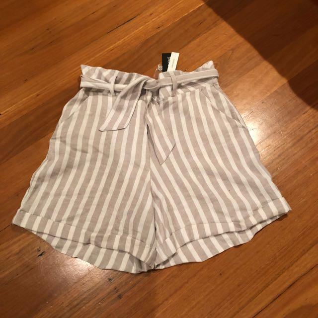 Linen Boyfriend Shorts