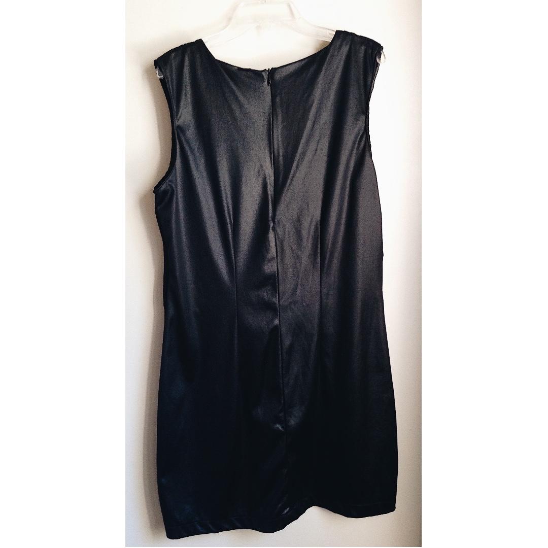 Mudmee black dress