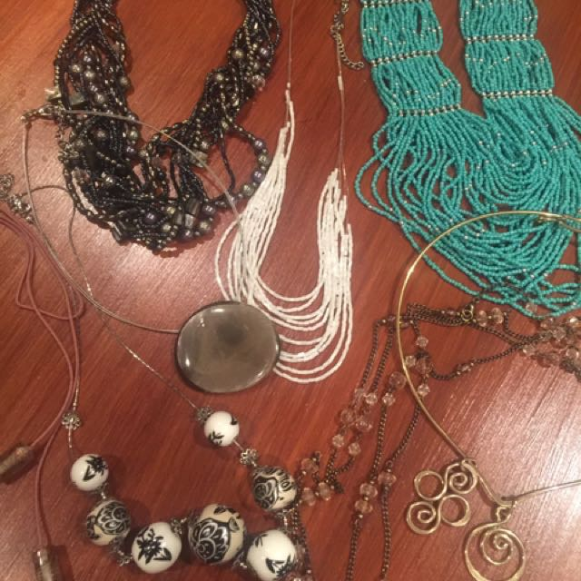 Necklaces - bulk lot of 8 includes beads, ceramic, wood glass and metal