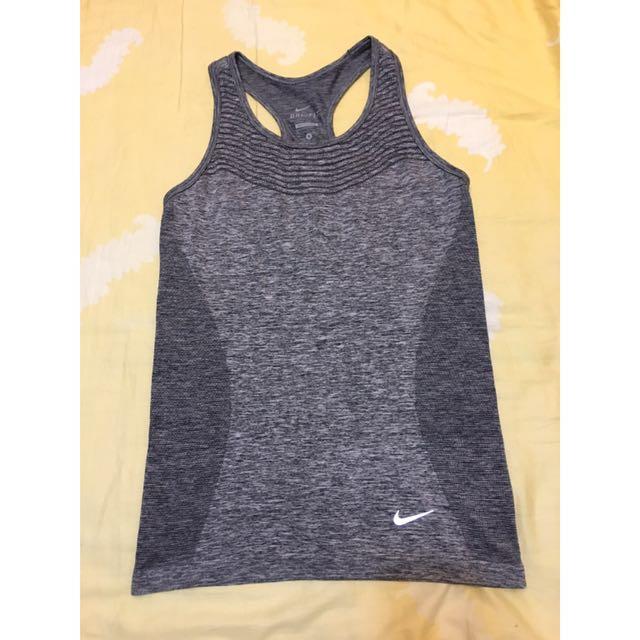 Nike運動背心