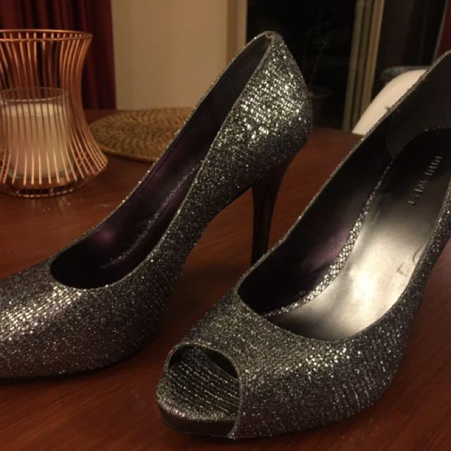 Nine West silver metallic high heel platform peep toe shoes sz 9