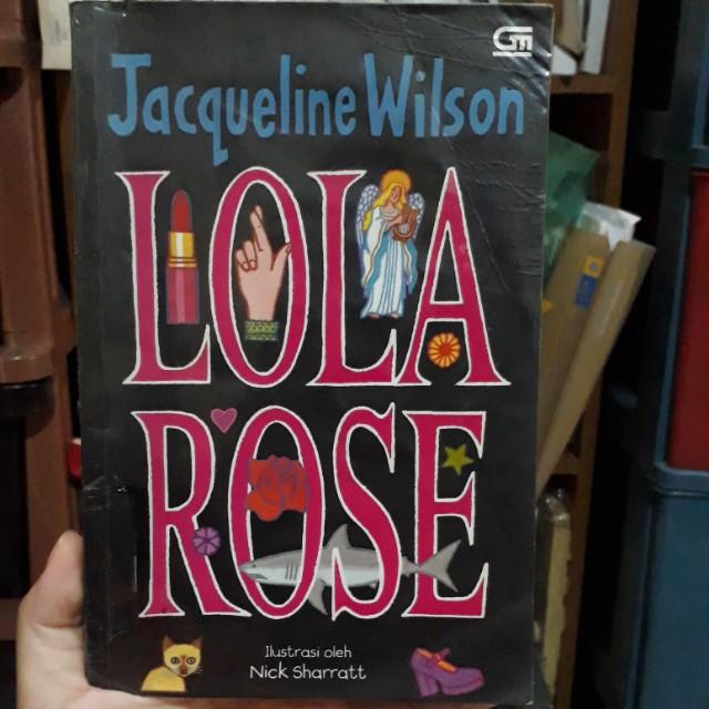 Novel Lola Rose
