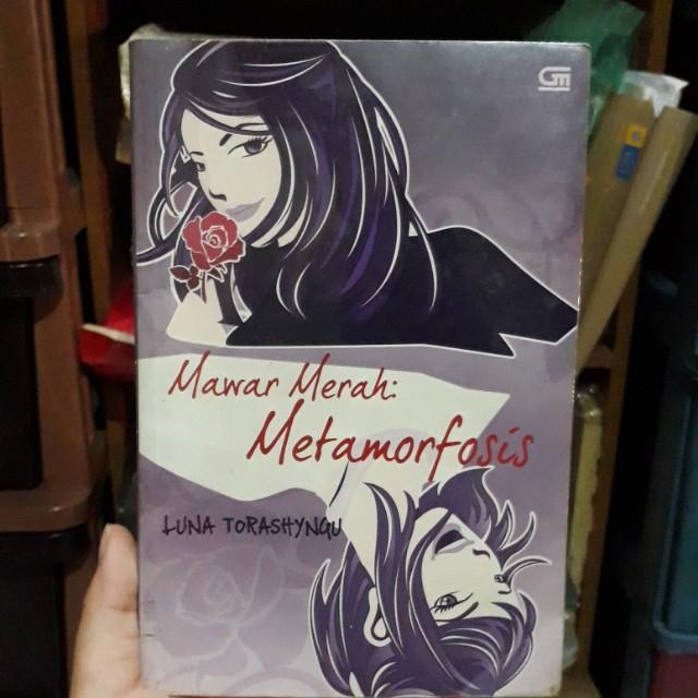 Novel Mawar Merah: Metamorfosis
