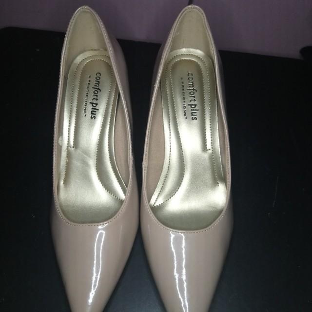 Nude kitten shoes