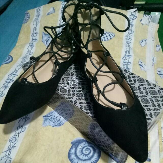 Parisian Black flat lace up shoes