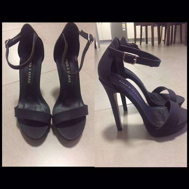 Pied A Terre black heels