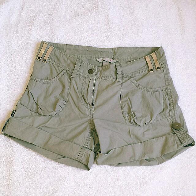 SALE! H&M Shorts 😊