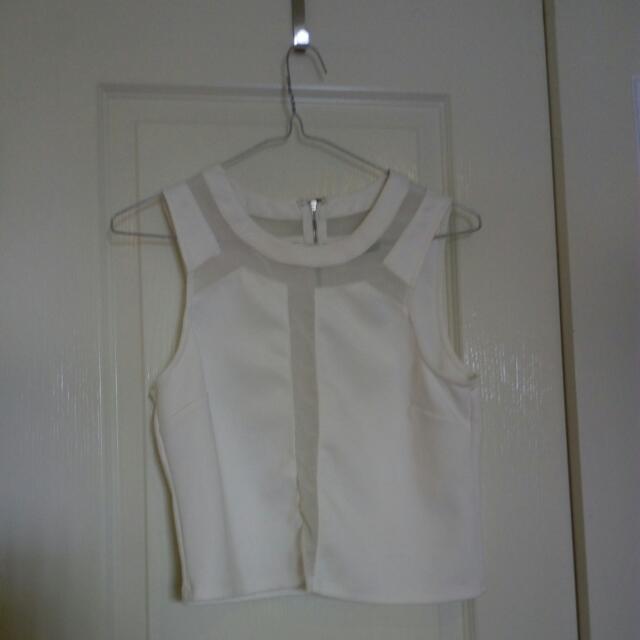 Size Small Dotti White Top