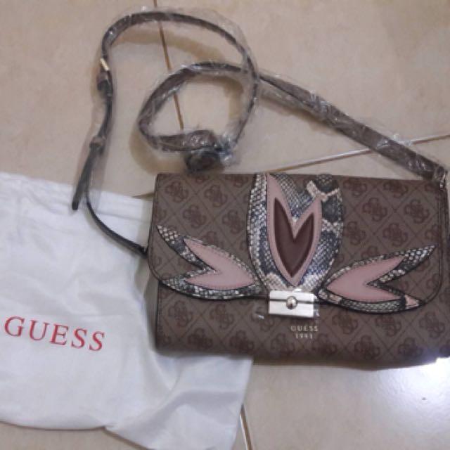 Sling Bag Guess