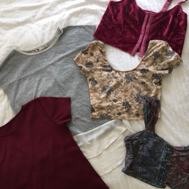 Tee & crop top bundle size small