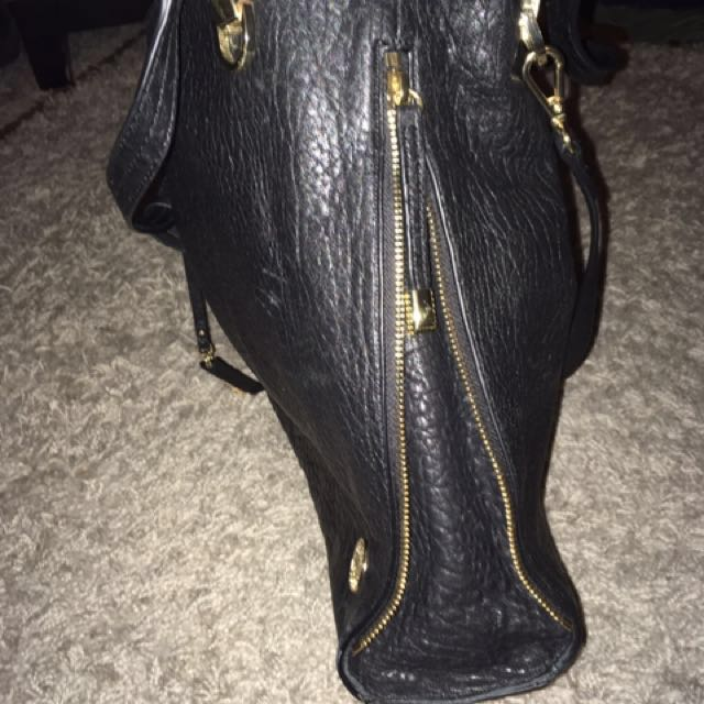 Vince Camuto Purse 🎁BLACK FRIDAY WEEK 🎁