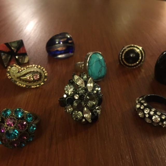 Women's rings - bulk lot of 9 rings, glass, wood, resin and crystal