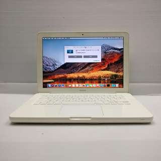 Apple Macbook 6,1 A1342 2009 Late Core2Duo 4GB Ram 250GB HDD (With Charger/USB mouse)
