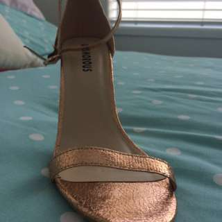 Rose Gold Heels Size 7 Like New