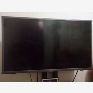 For sale!! LG 32 inch Led TV