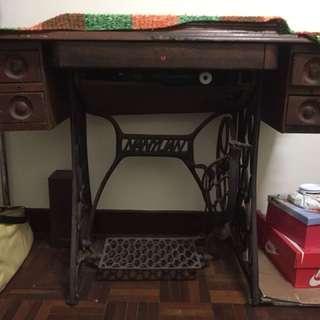 阿嬤的古董裁縫車
