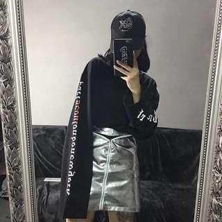韓系個性字母上衣~黑色