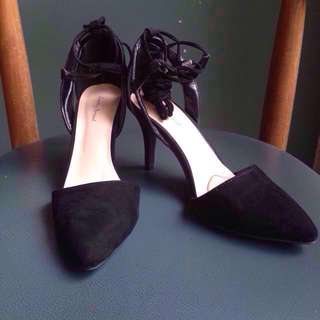Something Borrowed Pointed Laced-up Heels Black Size 37