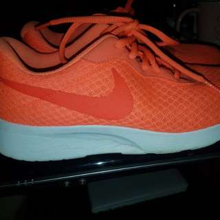 Nike vibrant shoes 10/10 condition