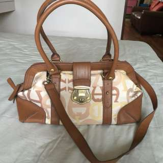 Authentic AIGNER woman bag, almost new, moving out sale