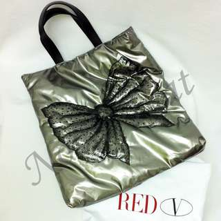 Vanlentino Red - Big Bow Pattern Filling Silver Tote Bag