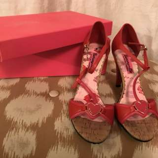 Betsey Johnson Heels Sz 7, NIB