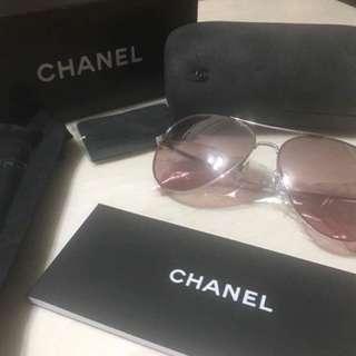 Chanel 香奈兒 全新真品雷朋粉水銀墨鏡