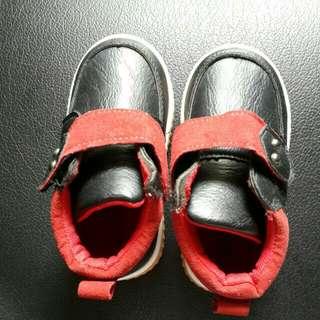 Sepatu litle M size 24
