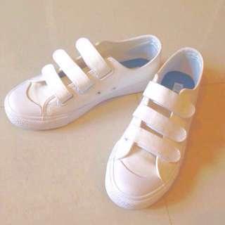 🚚 白鞋帆布鞋