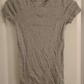 Grey gap shirt (retails $20)