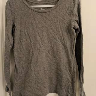 Gap grey shirt
