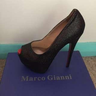 NEW Marco Gianni heels size 36