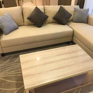 L-shaped Fabric Sofà & Coffee Table (FREE 4 Pillows & Carpet)