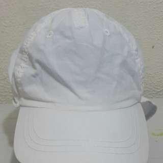 Topi jepang H&M
