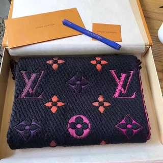 LV家2017官網最新黑色彩虹 時尚冬季溫暖升級版圍巾
