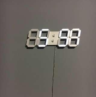 🚚 超好看 科技感 Led 壁掛 數字時鐘