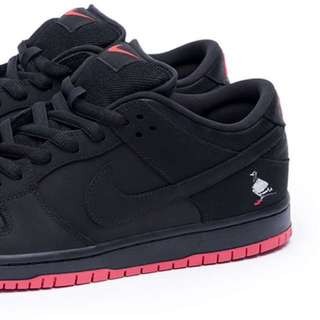 Nike Staple Pigeon Dunk Low
