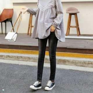 韓國時尚黑灰微磨托腹牛仔褲T78938